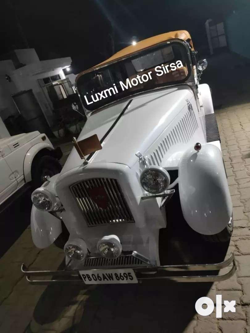 Vintage wedding car 0