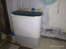 Mesin cuci Sharp bekas