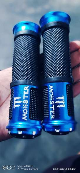 Two wheeler Grip New ( not use)Universal