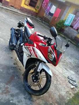 Yamaha r15 v2 good condition
