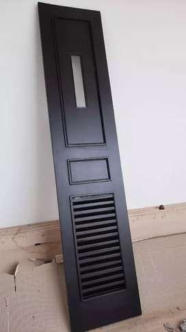 Jual Pintu Garasi Kayu Jati masih Baru, dan Bagus