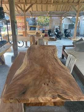 Meja kayu suar murah dan meriah