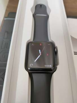 Apple iWatch series 3 in immaculate condition