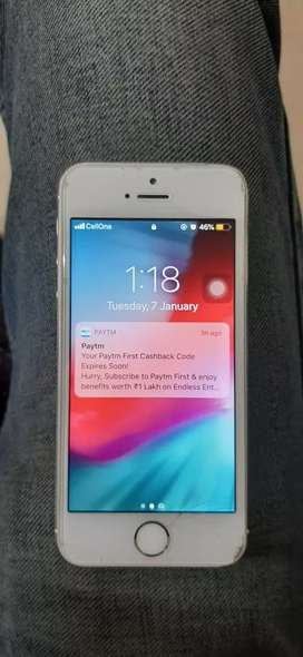 iphone 5s white in ok condition