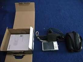 BU!. Kamera Merk Sony tipe Cyber-shot DSC-W730.