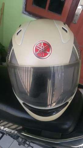 Helm vixion nganggur sue