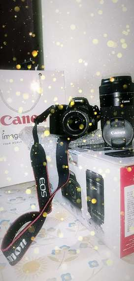 Canon 200D with box piece 1 year