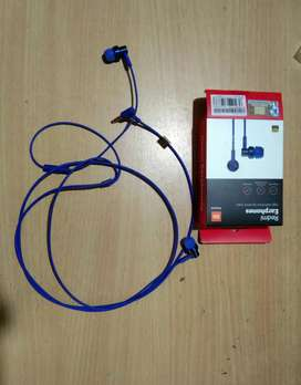 Red Mi earphone