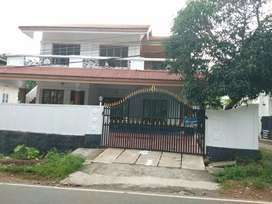 5 bhk 3000 sqft posh house at aluva uc collage junction 200 mtr