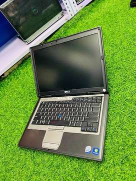 Dell Laptop Core 2 duo 2gb 160gb wifi 14inch rs.6000