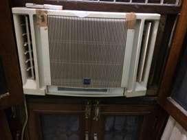 Hitachi Quadricool Window AC 1.5 tons