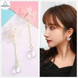 Anting Korea Wanita Simple Sweet Daisy Flower Long Crystal