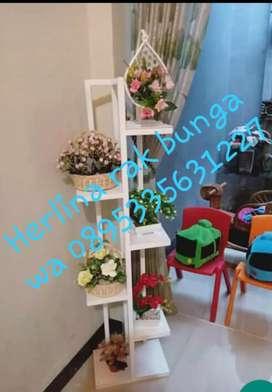 Rak bunga hias buat dekorasi rumah