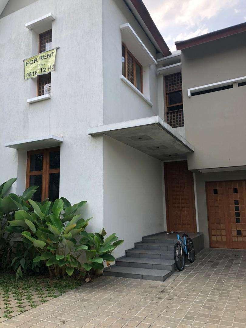 Disewakan SPECIAL PRICE!! BANGUNAN BARU rumah minimalis industrial