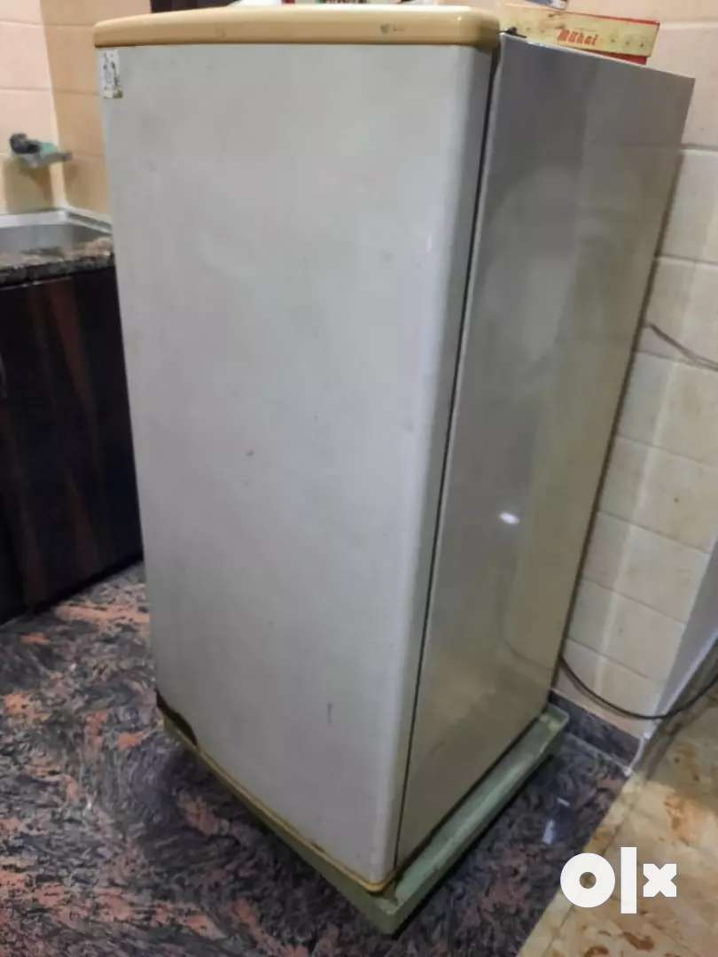 Fridge is available in 3000.