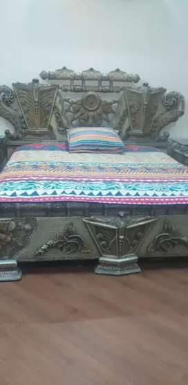 Bed.2 side table.dressing.3 mirror for dressing.2 chaire table.