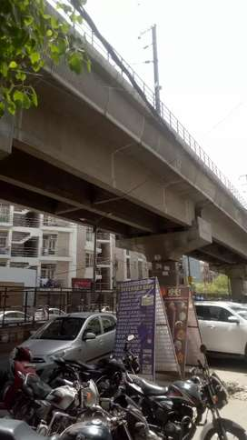 Shop for rent in new ashok ngar naer metro station
