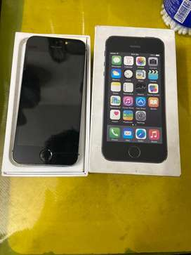 Iphone 5s in very good condition with back covers
