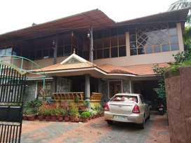12 cent ,2800 sq  ft 6 years old house at kodinattukunnu.