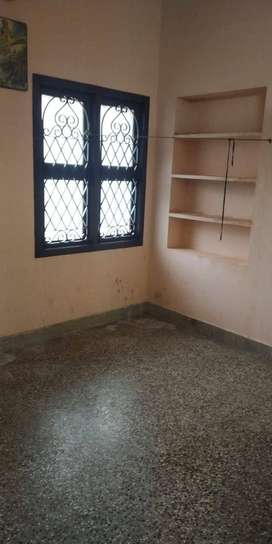 Male bachelor accommodation/Backoffice space for Rent in a prime locat