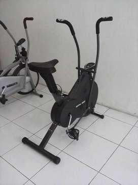 Sepeda Statis TL 8202 Total Fitness