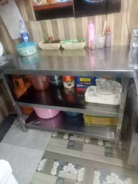Hot plate    freezer  and other  comercial used resturent urgent  sale