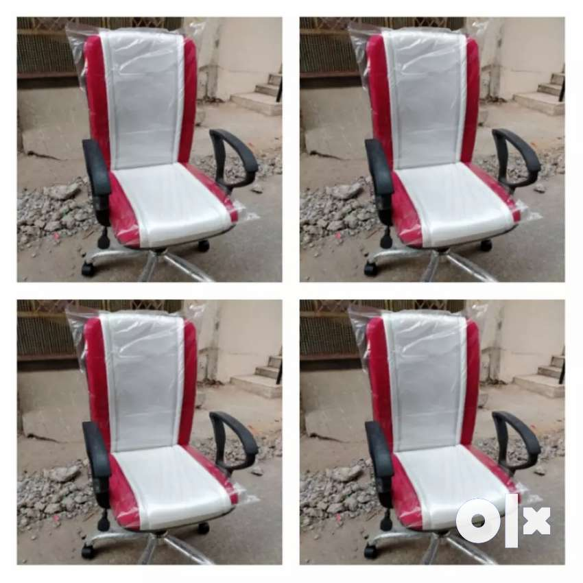 New office chairs and office table available 0