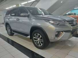 Toyota fortuner VRZ silver 2017.