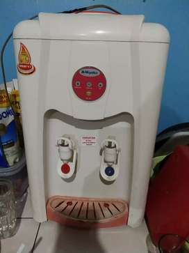 Dispenser, pemanas air. Miyako