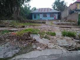 Di jual tanah beserta rumah