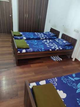 Fully furnished PG sect 4