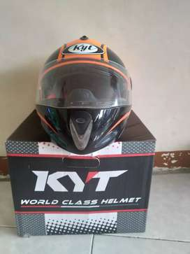 Helm full face Merk KYT ukuran M