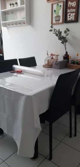 Meja Makan Kaca informa