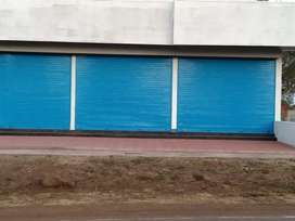 3 Shop    office, bank & ATM for