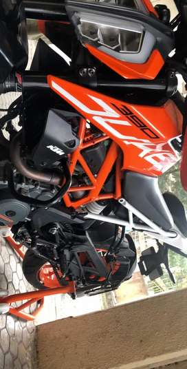 Best in condition KTM Duke 390
