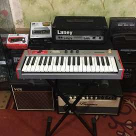 Keyboard synthesizer Alesis