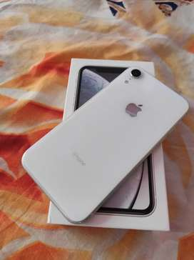 Iphone XR White Colour 64 GB 1 month use