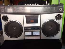 Boom box Sanyo radio tape lawas