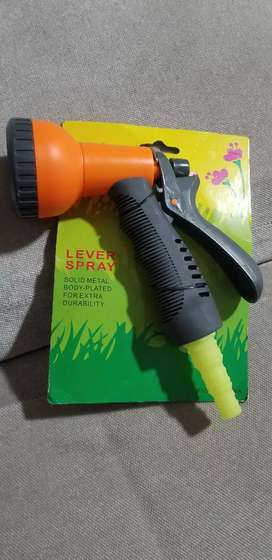 Nozzle hose lever spray for gardening.