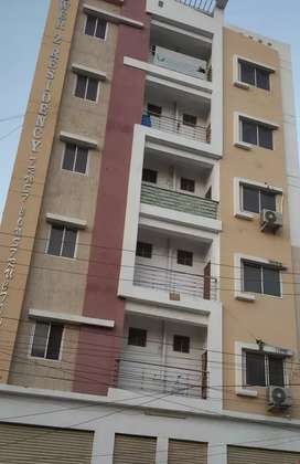 Flat in best price to sale