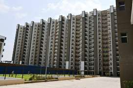 #Centrally located% apartment 982sqft/ Available in Gr. Noida West