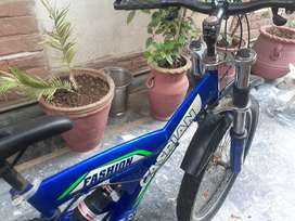 Slighty used caspian bike in great condition