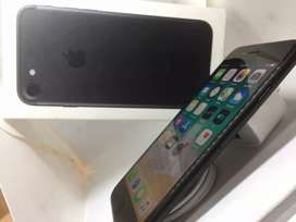 iPhone 7 32gb available