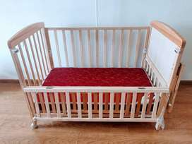 Babyhug crib with mattress and high chair