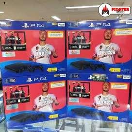 Playstation 4 PS4 Bundle FIFA 20 +2STICK 500GB