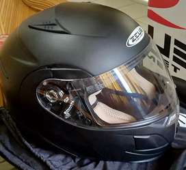 Helm zeus 3020 like new