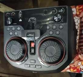 LG 500w  bass blast with mic