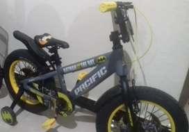 Di jual sepeda anak Merek Pacific special edition Batman