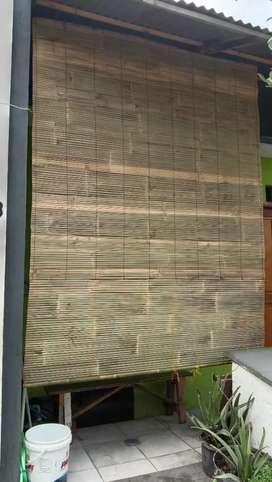 Tirai bambu wiowio