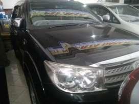 Toyota fortuner G lux 2010 pmk 2011 orisinil bergaransi